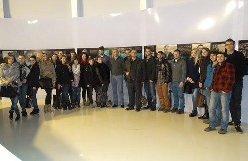 Studentët e medias në UBT vizitojnë TV KLAN