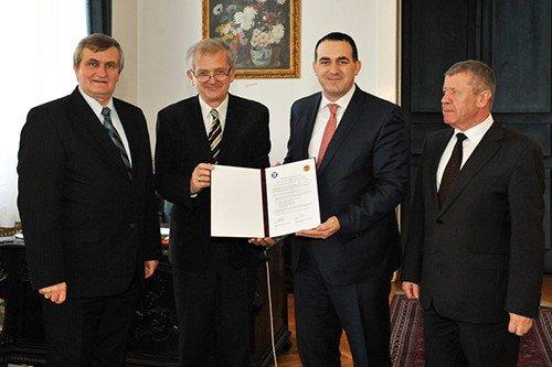 UBT nënshkruan marrëveshje bashkëpunimi me Universitetin për Teknologji dhe Ekonomi të Budapestit