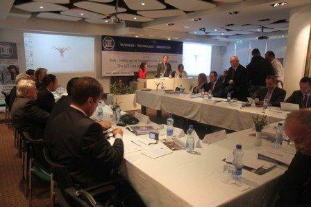 """UBT dhe """"Miqtë e Amerikës"""" organizuan Konferencë regjionale për 100-Vjetorin e Pavarësisë së Shqipërisë"""