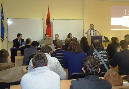 Me rastin e 100-vjetorit të Pavarësisë së Shqipërisë UBT  promovoi librin shkencor  Rrjetat kompjuterike dhe reviste shkencore Intarnational Journal fot Business, Technology