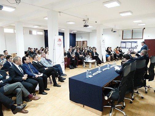 """Në UBT i zhvilloi punimet konferenca """"Free Market Road Show"""""""