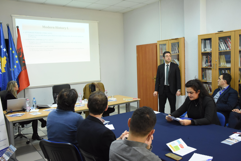Hungaria ndan 50 bursa të plota studimi për studentët kosovarë, aplikimi është hapur