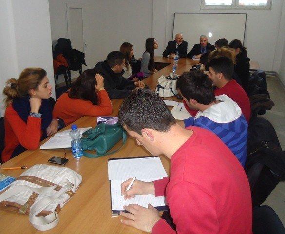 Studentët e UBT-së vizituan Avokatin e Popullit