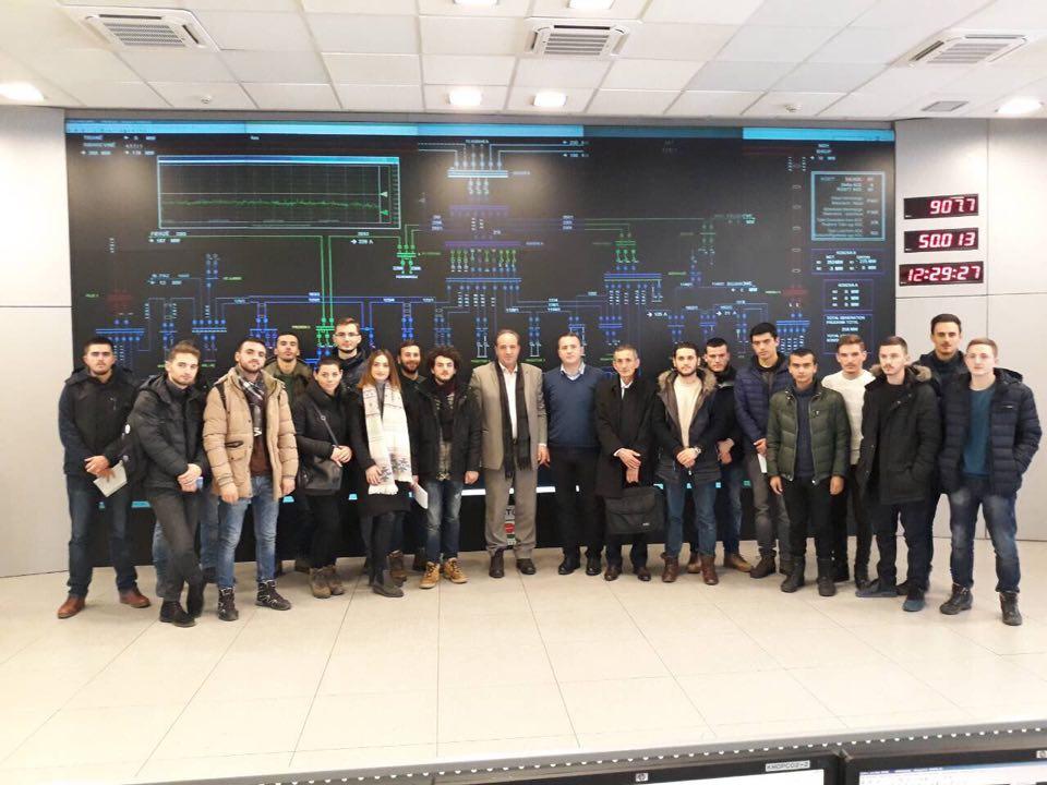 """Studentët e UBT-së vizituan kompaninë """"KOSTT"""""""