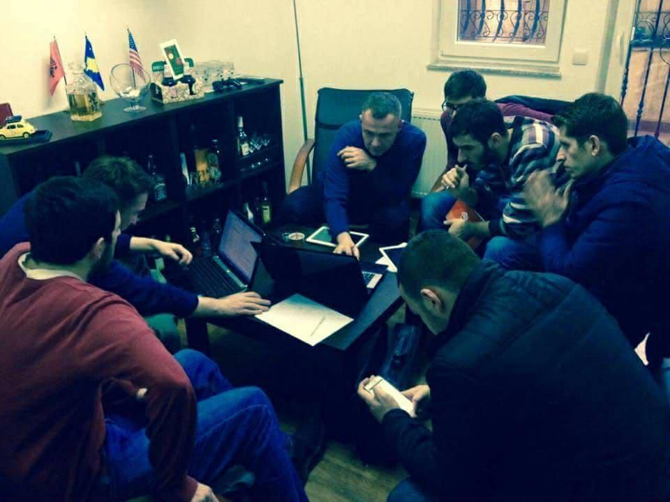 """Studentët e UBT-së krijojnë aplikacionin """"DreamCurtains"""""""