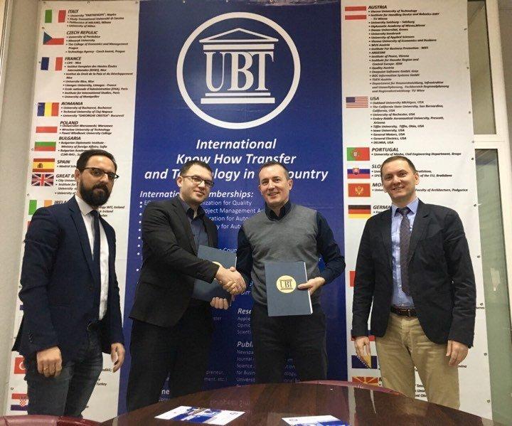 """UBT nënshkruan marrëveshje bashkëpunimi më Bankën """"Raiffeisen"""""""