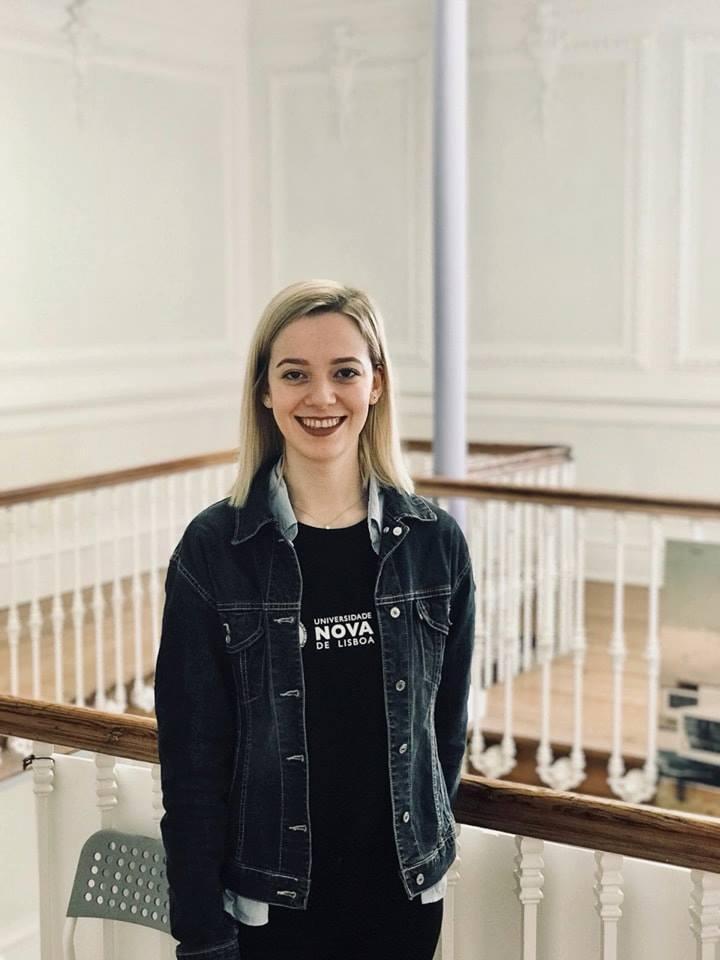 """Studentja e UBT-së, vijon studimet në Universitetin """"NOVA de Lisboa"""", në Portugali"""