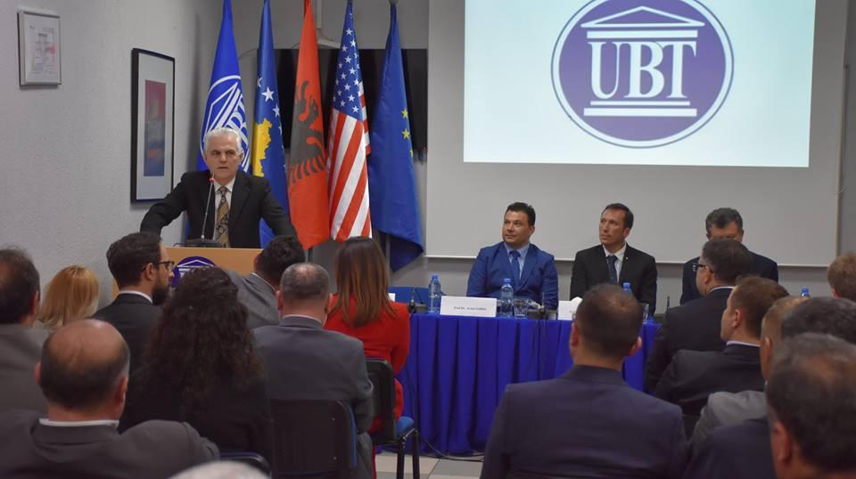 Në UBT u mbajt ceremonia për shpërblimin e personaliteteve nga Presidenti Trump, Akademia Ndërkombëtare e Shkencave dhe Complutense University