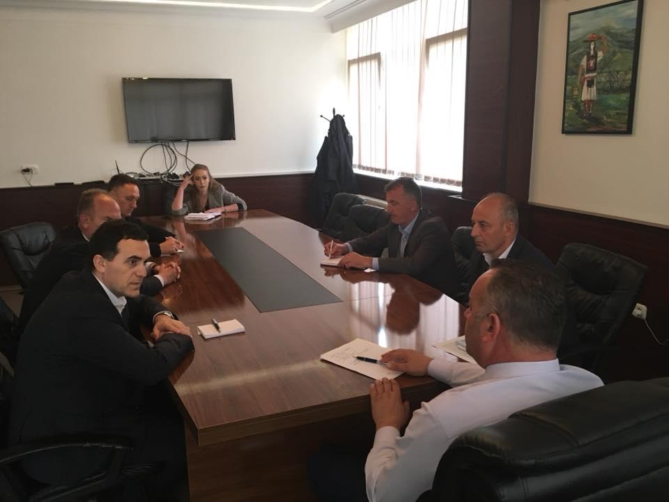 UBT nënshkruan memorandum bashkëpunimi me komunën e Deçanit