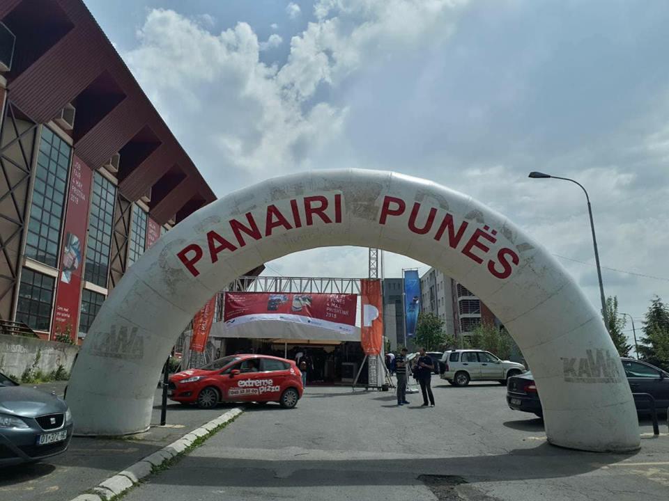 UBT prezantoi mundësitë për punësim në Panairin e Punës
