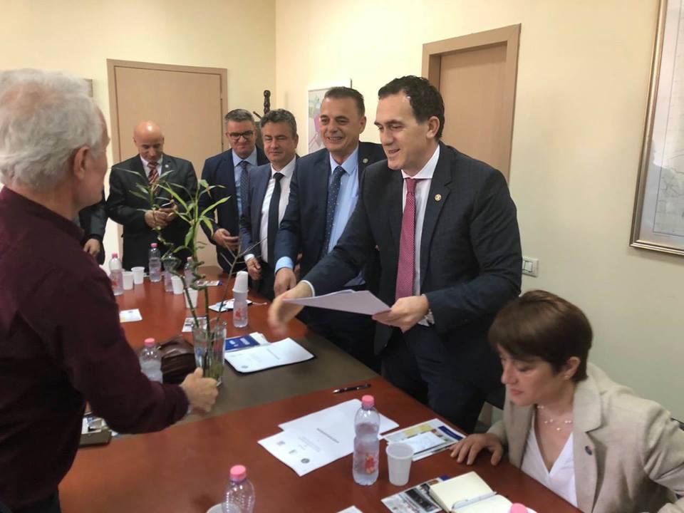 UBT nënshkruan memorandum bashkëpunimi me Universitetin Politeknik të Tiranës