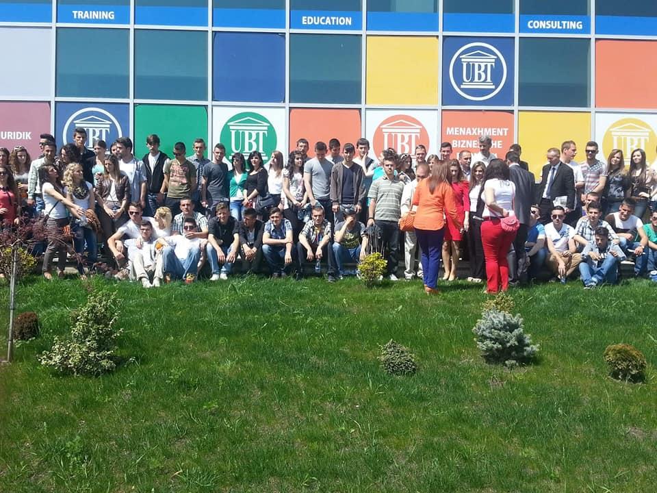 UBT, zgjedhja e parë e maturantëve kosovarë