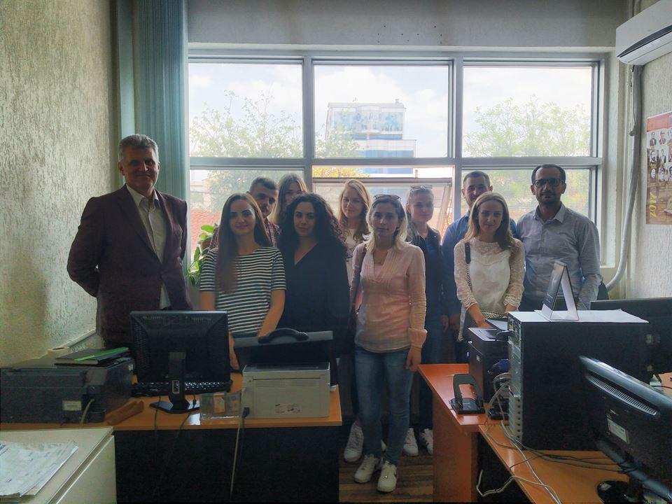 """Studentët e UBT-së vizituan Institutin e Prishtinës për Studime Politike """"PIPS"""""""