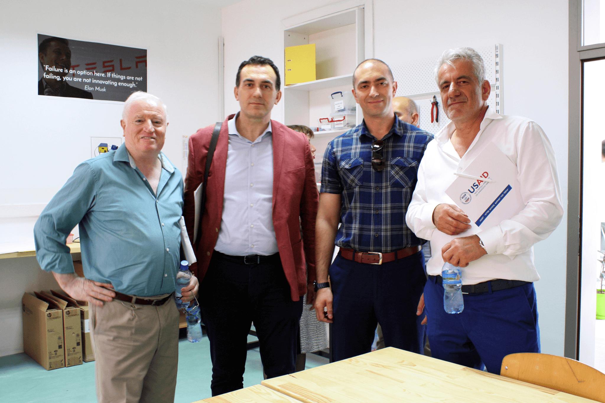"""UBT dhe gjimnazi """"Xhevdet Doda"""" nënshkruajnë marrëveshje bashkëpunimi në kuadër të programit ASSET"""