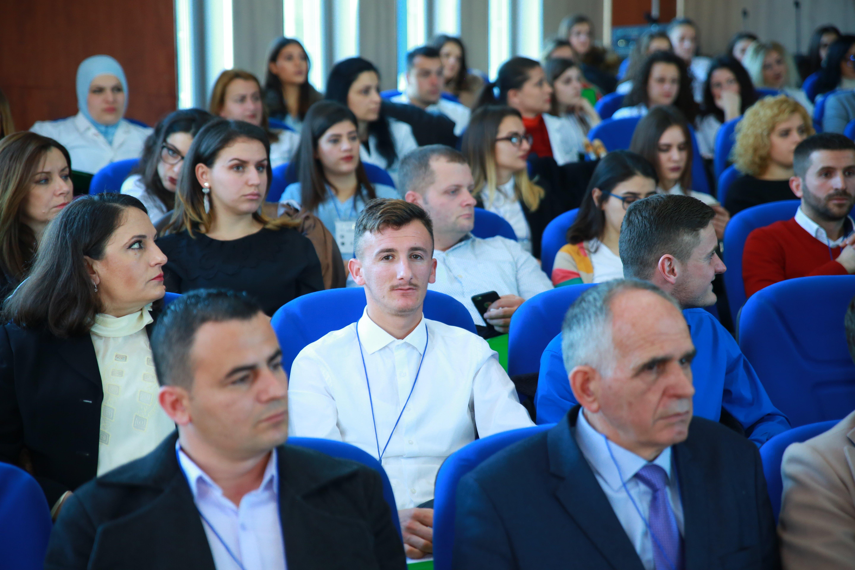 """Studentët e UBT-së, pjesëmarrës në punëtorinë """"Kujdesi Paliativ Holistik"""""""
