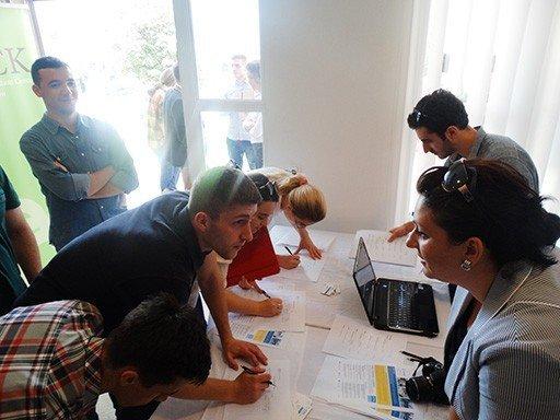 Studentët e UBT-së morrën pjesë në Panairin e Punës 2014