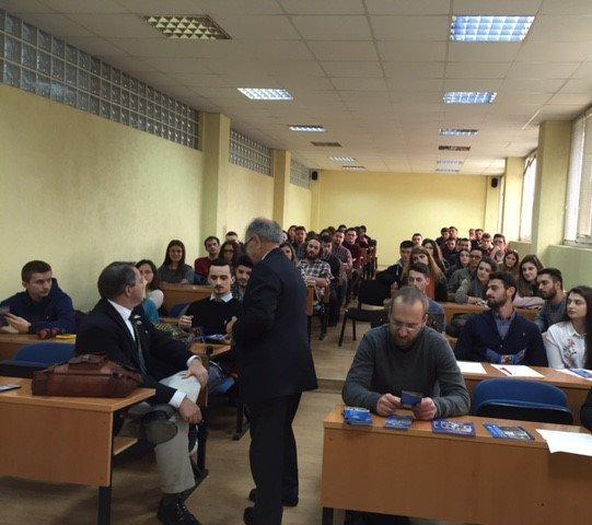Ligjëratë e hapur në UBT e profesorit amerikan, Ahmad Zargari