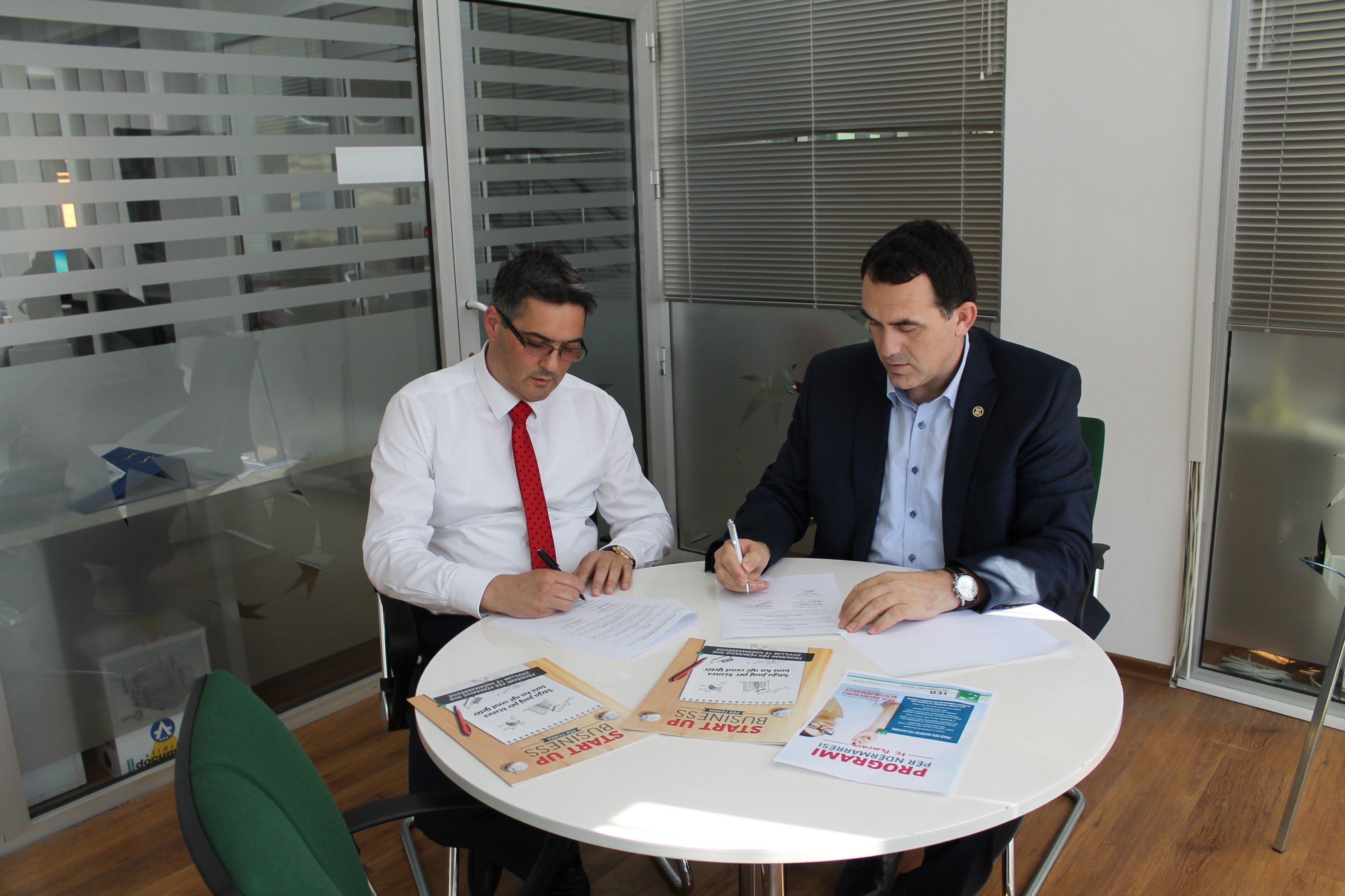 UBT dhe TEB Bank nënshkruan marrëveshje bashkëpunimi për biznese të reja dhe inkubator të biznesit