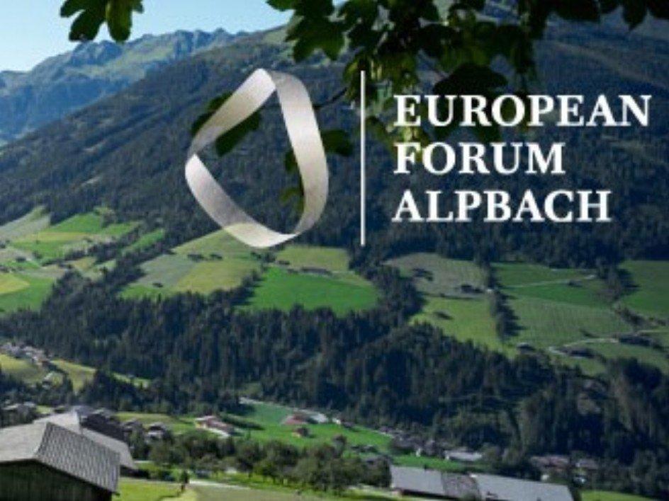 Studentet e Kolegjit UBT, përfituese të bursës për pjesëmarrje në Forumin Evropian Alpbach