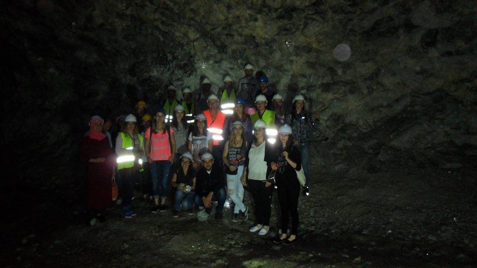 """Studentët e UBT-së vizitojnë në Dibër një minierë dhe fabrikën e gipsit, """"Knauf-Radika"""""""