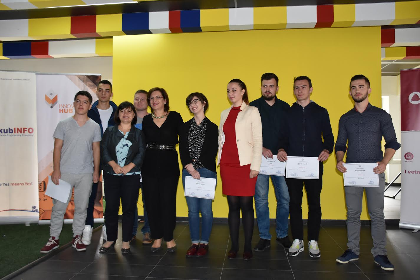 """Studenti i UBT-së, ndër fituesit e aktivitetit për siguri kibernetike """"Hack Day Albania 2016"""""""