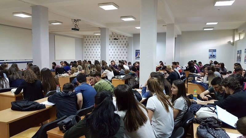 Interesim i jashtëzakonshëm i maturantëve për Programin Përgatitor të Maturës, në UBT