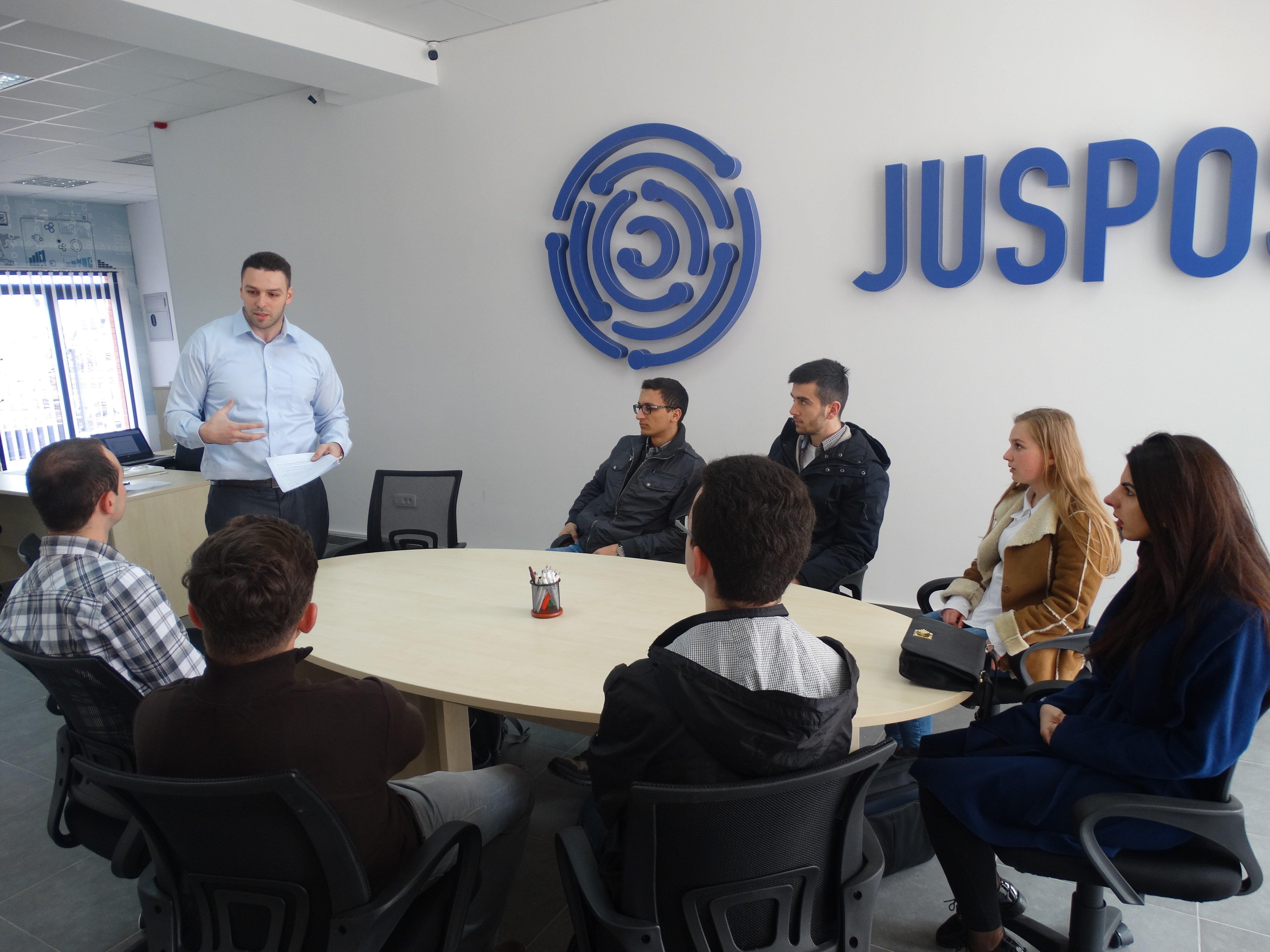 Qendra e Karrierës në UBT ka ndihmuar në punësimin e 11 studentëve