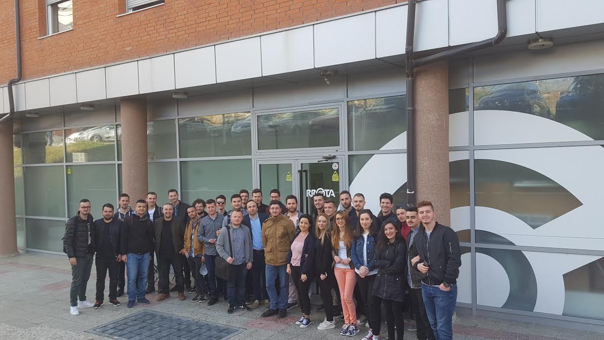 """Kompania """"Rrota"""" hap dyert për punësimin e studentëve të UBT-së"""