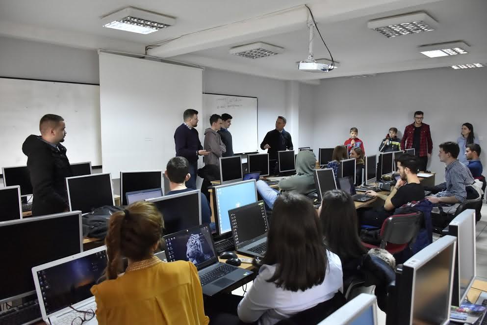 UBT teston aftësitë e studentëve në fushën e hakimit