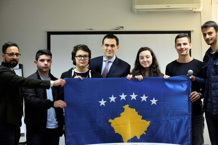 Kosova, pjesë e garës më të madhe ndërkombëtare të robotikës  FIRST Global Challenge