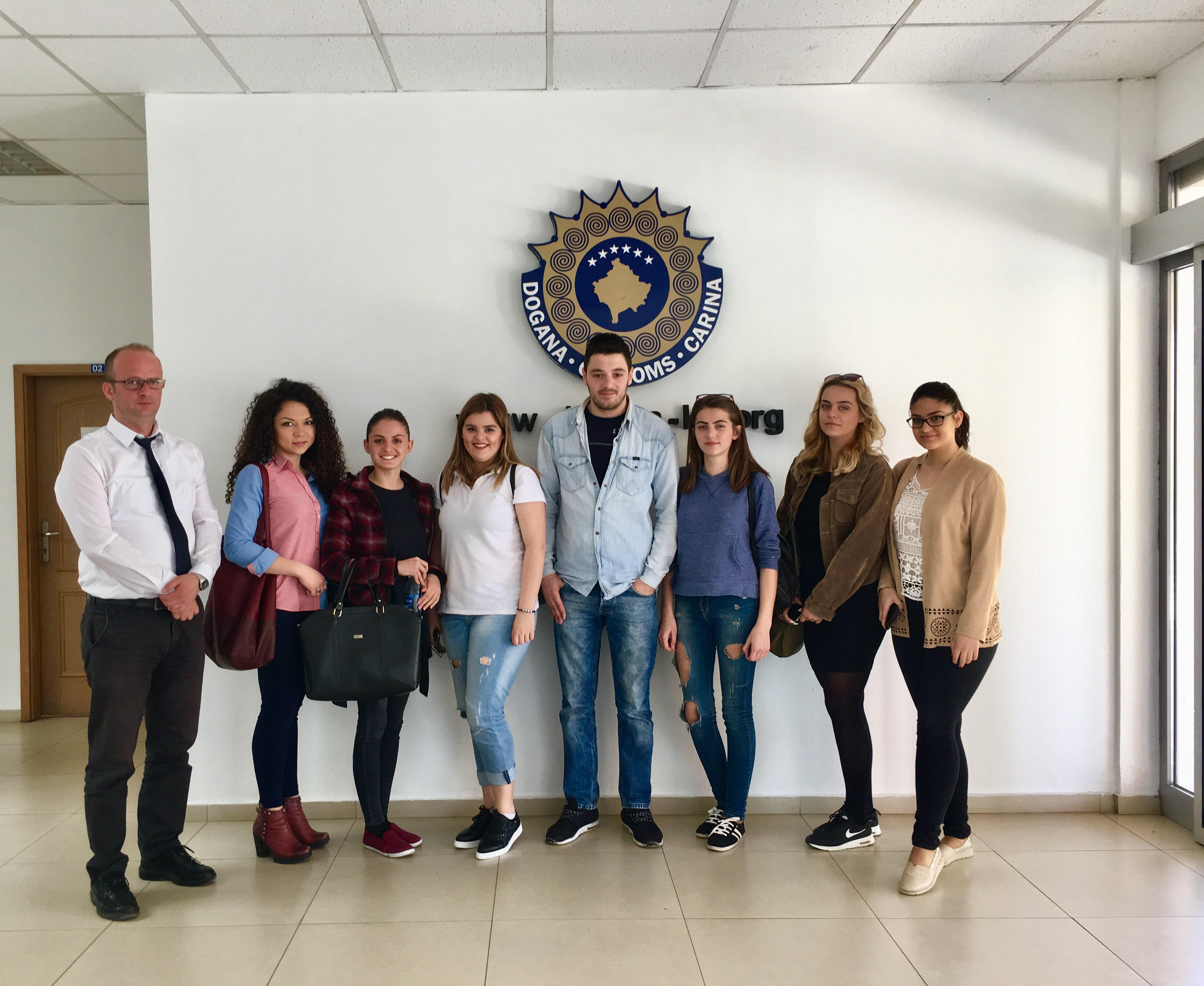 Studentët e drejtimit Media dhe Komunikim vizituan Doganën e Kosovës