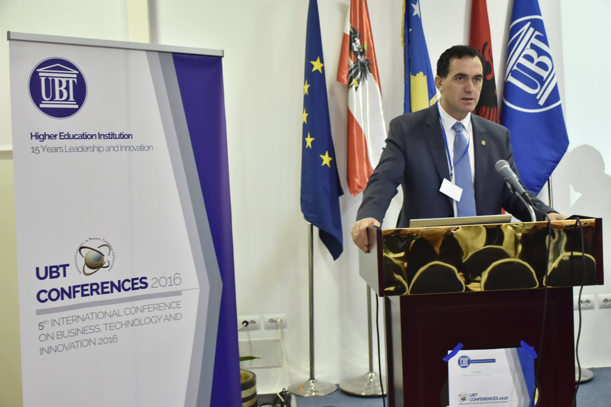UBT mbledh mbi 200 shkencëtarë në Konferencën e Pestë Ndërkombëtare për Biznes, Teknologji dhe Inovacion në Durrës