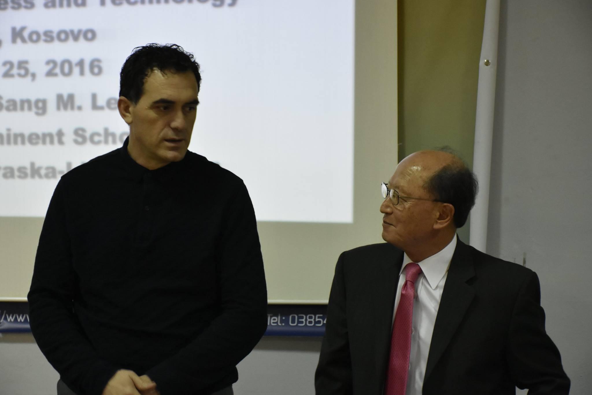 Autori i 70 librave, prof dr. Sang M. Lee, mbajti ligjëratë tematike në UBT