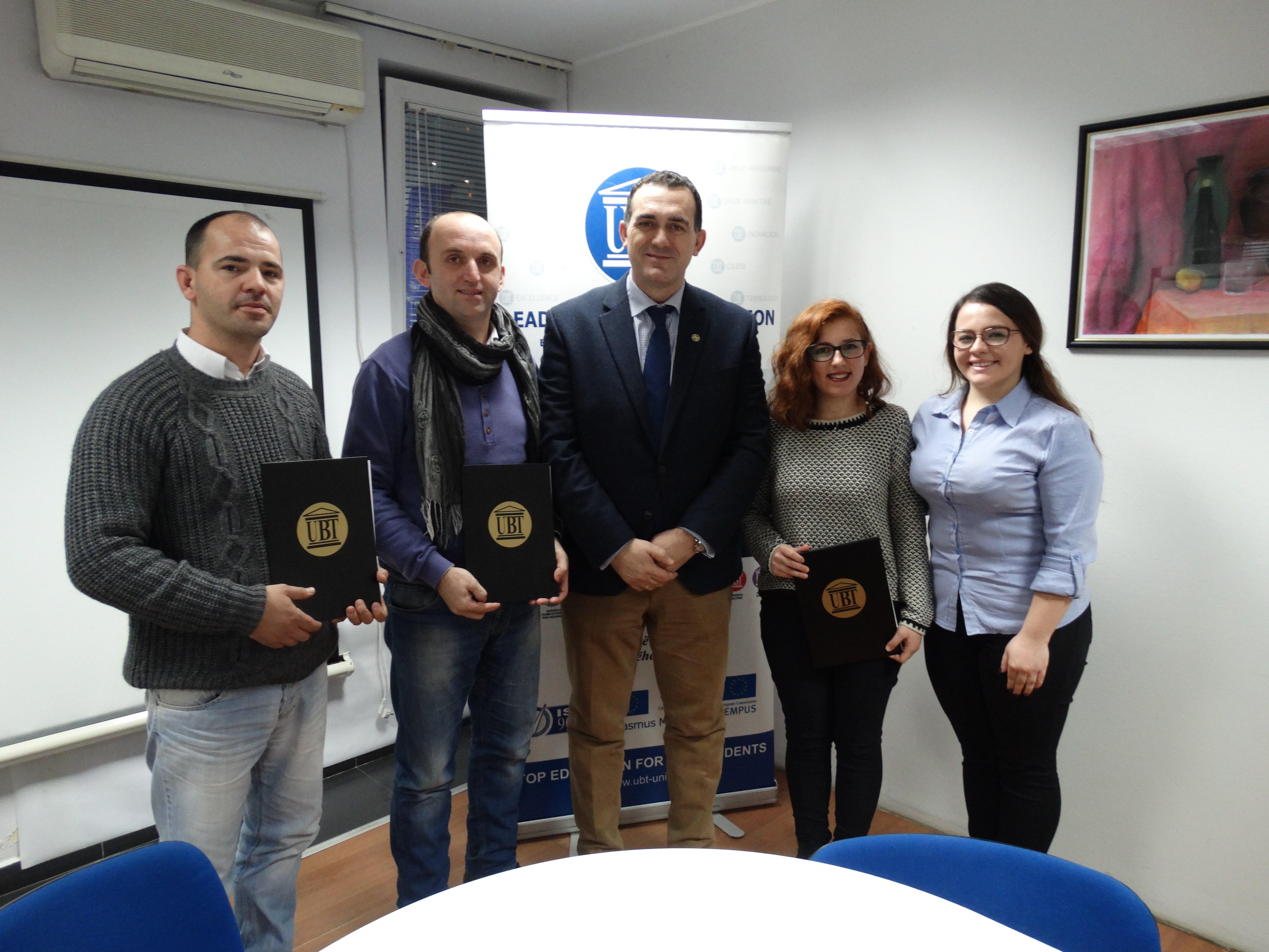 Katër kandidatë certifikohen  për ciceronë turistikë