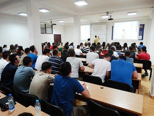 Interesim i madh i maturantëve për programet e studimeve në UBT