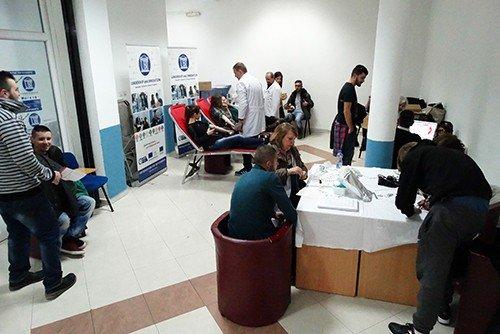 Studentët e UBT-së me numër rekord në dhurimin vullnetar të gjakut