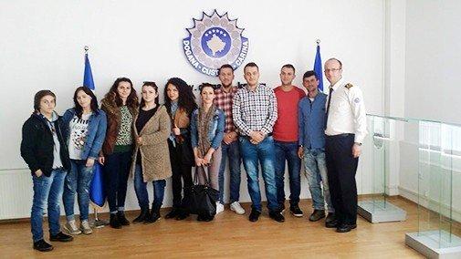 Studentët e Fakultetit Media dhe Komunikim në UBT vizituan Doganat e Kosovës