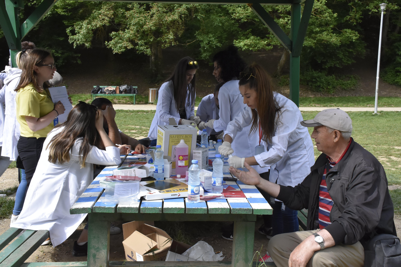 Studentët e UBT-së shënojnë Ditën Ndërkombëtare të Infermierisë
