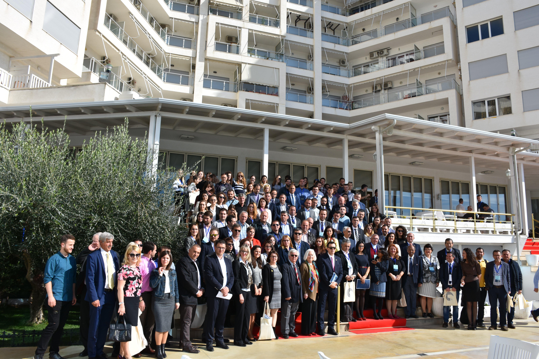 Me mbi 500 pjesëmarrës dhe 300 punime shkencore, mbylli punimet Konferenca Ndërkombëtare për Shkencë, Teknologji, Biznes dhe Inovacion
