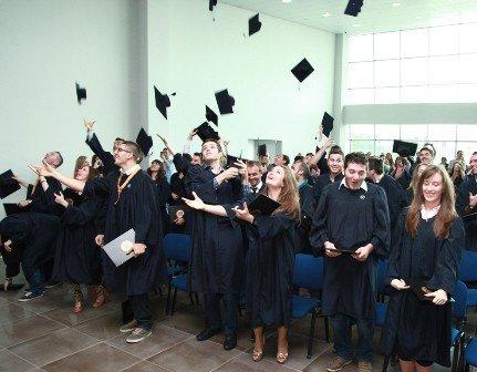 Në UBT u zhvillua Ceremonia e Diplomimit 2013