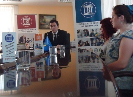 Studentët e UBT-së fituan bursa studimi në 16 universitete të vendeve të BE-së