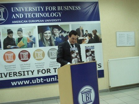 "UBT promovoi  revistën  ""Alumni"""