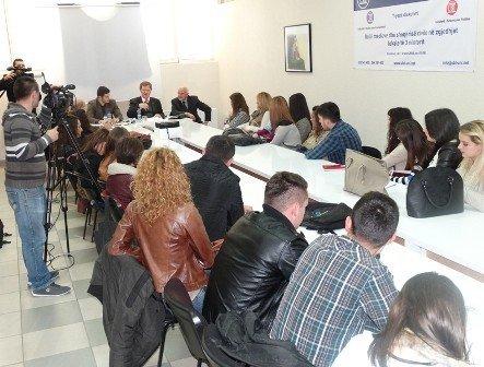 Ambasadori i  Holandës në Kosovë, z. Robert Bosch,  në debat me studentët e UBT-së
