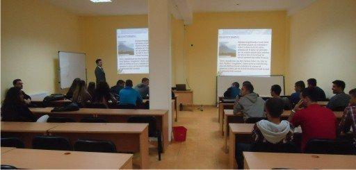 Nisi  punimet  konferenca  shkencore  e studiuesve  të rinj  të  UBT-së