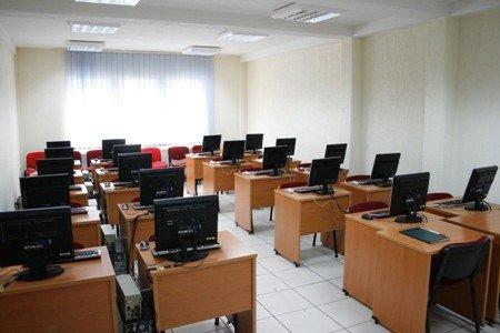 """Në UBT  organizohet ligjërata """" Kosova dhe procesi i liberalizimit të vizave"""""""