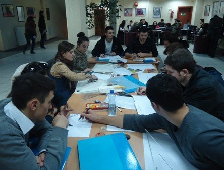 UBT shpall konkurs për vitin e ri akademik 2013/ 2014