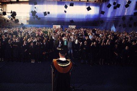 UBT organizon Ceremoninë e Diplomimit 2013