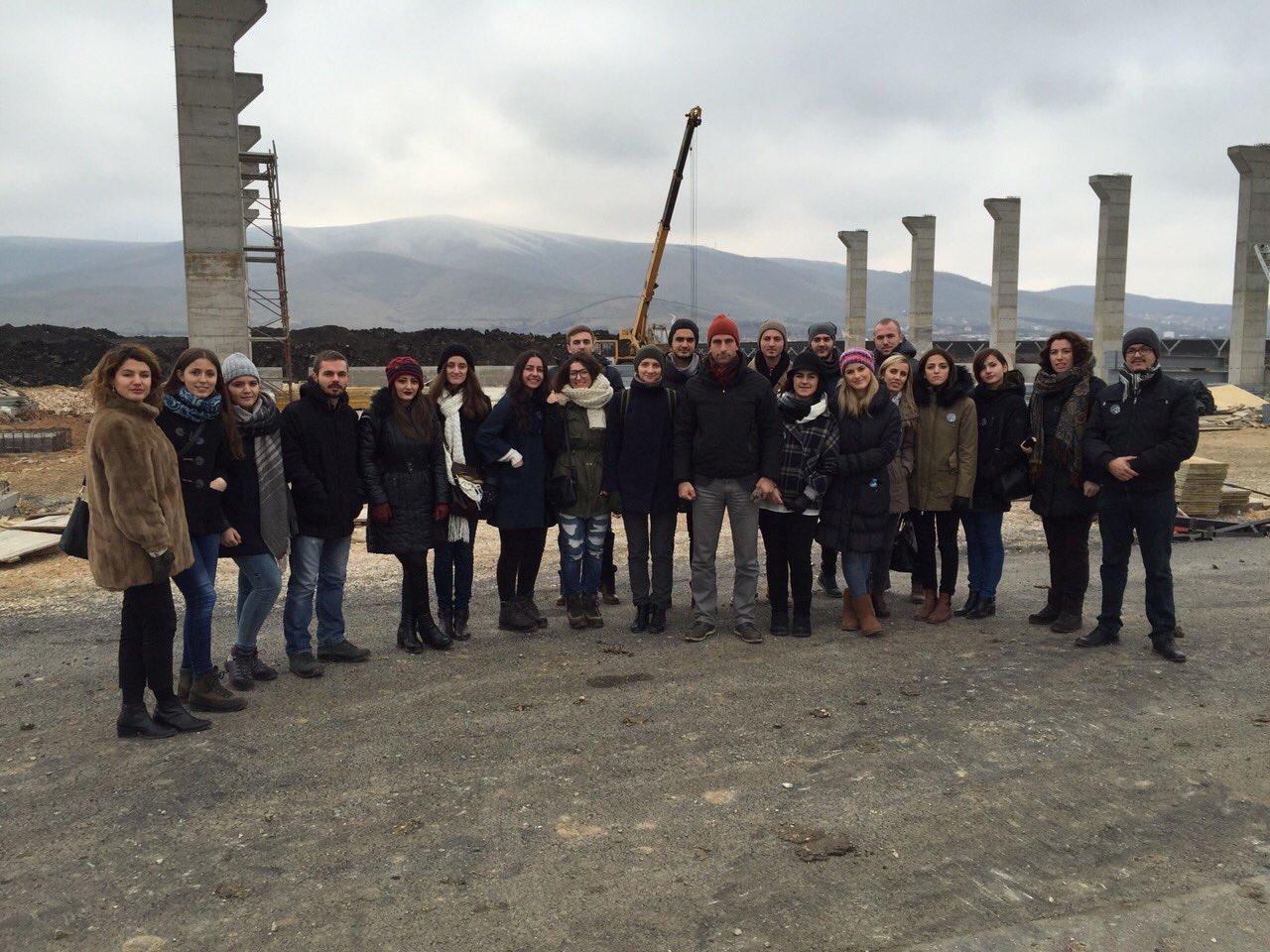 Studentët e UBT-së vizituan heliodromin e KFOR-it