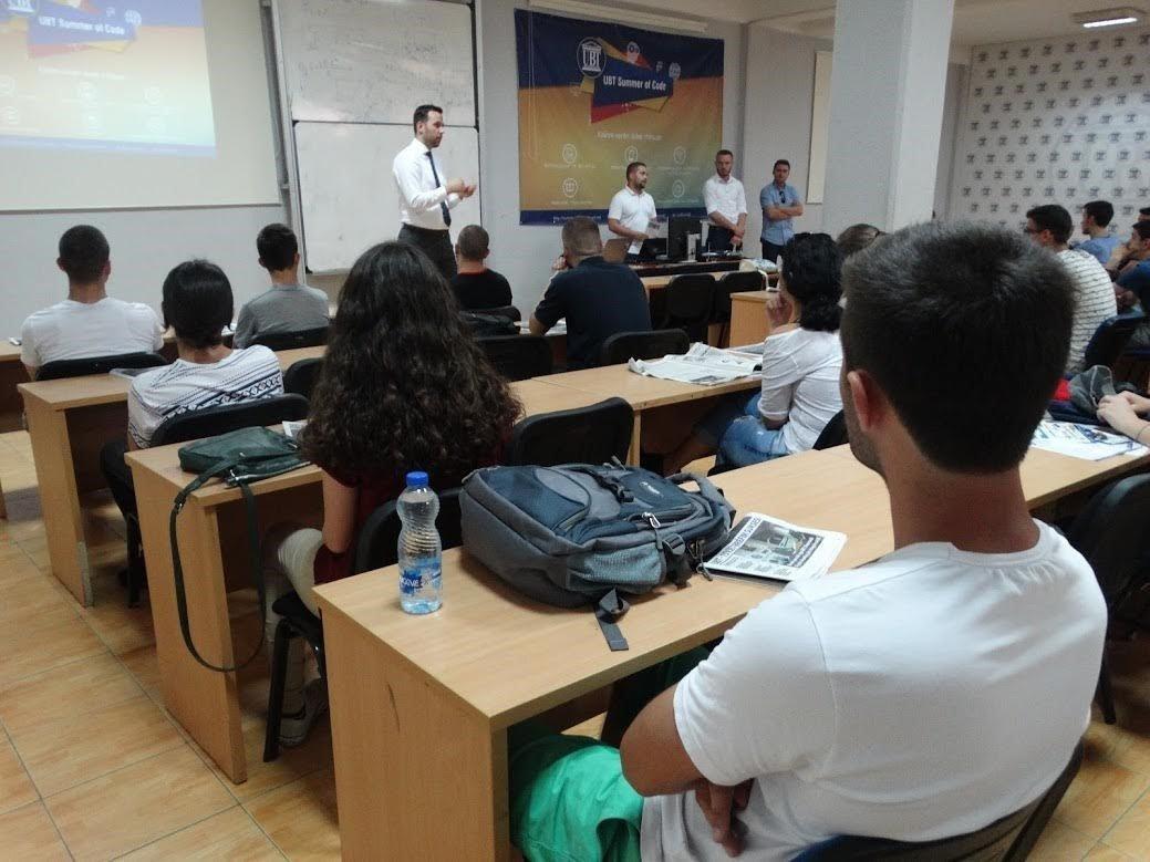 """Maturantë të shumtë nga Kosova marrin pjesë në """"UBT Summer of Code"""""""