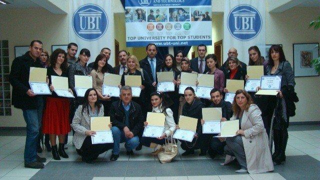 UBT certifikon edhe 20 kandidatë për ciceron